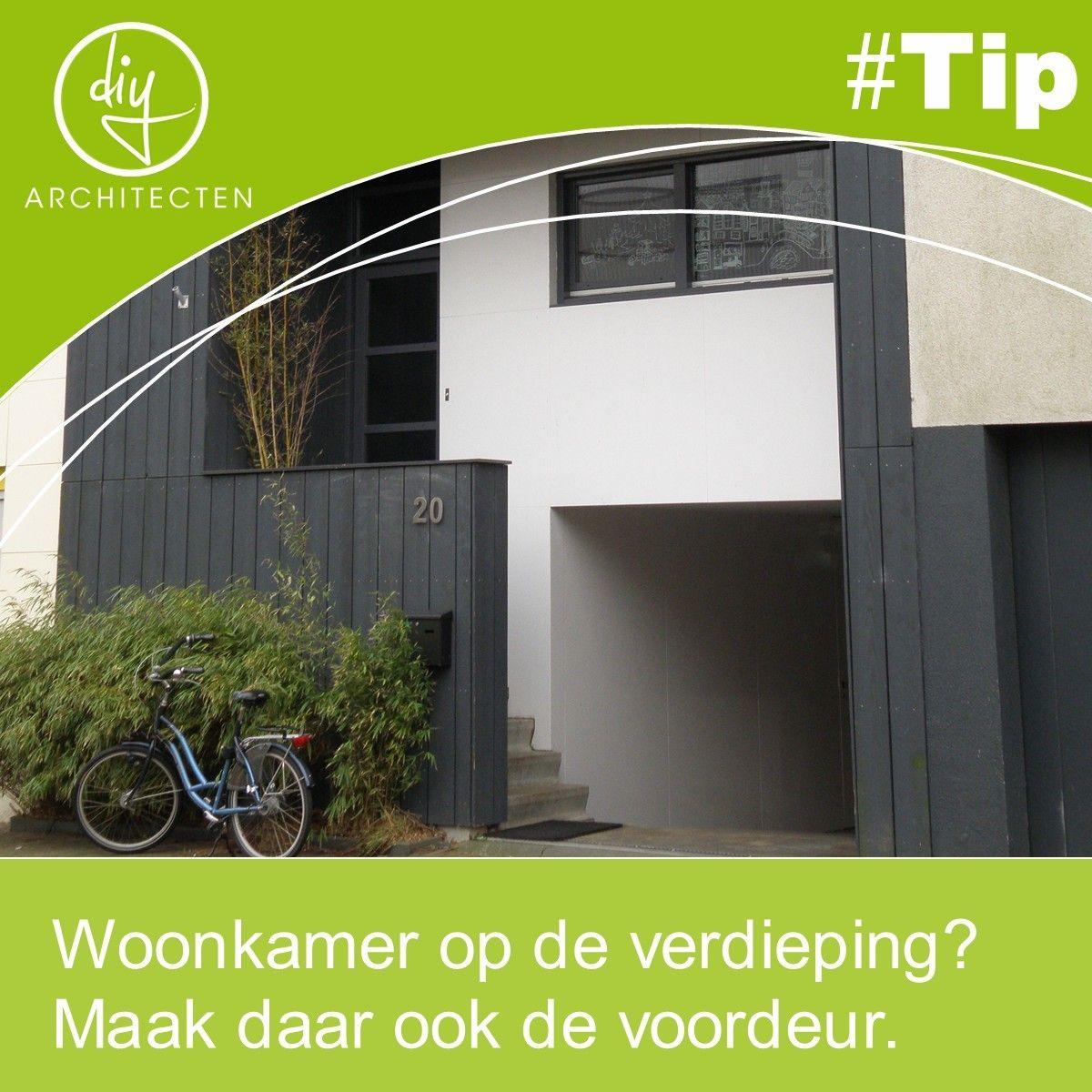 #TIP Overweeg je om de leefruimte op de verdieping te plaatsen? Bedenk dan dat het prettiger is om buiten alvast naar boven te gaan i.p.v. een trap binnen om naar boven te gaan. Het voelt anders. Een trap buiten geeft ook vorm aan de transitie van openbaar naar binnen toe.
