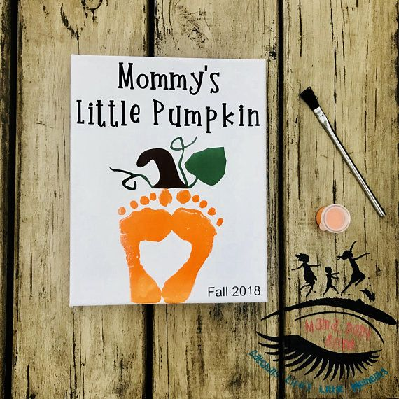 Mommy's Little Pumpkin, Fall, Halloween, Toddler Footprint Art, Baby Footprint Art, Mama Don't Blink #halloweencraftsfortoddlers