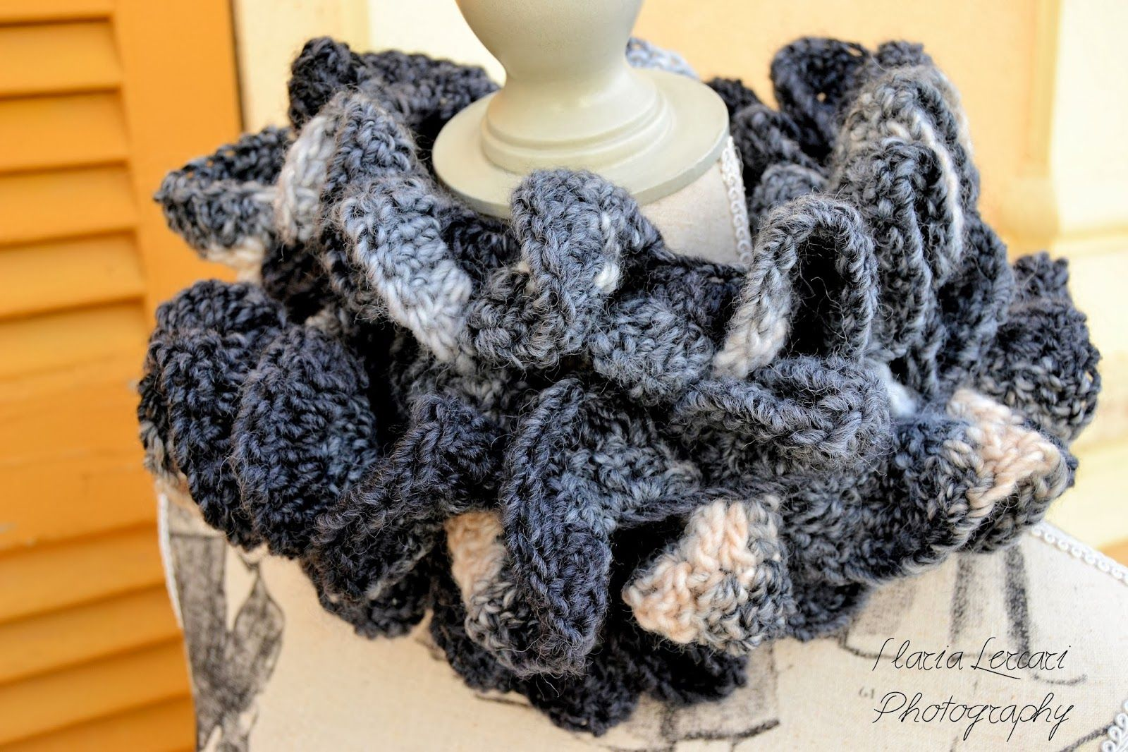Easy crochet scarf tutorial - Waves