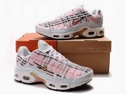 new product 91451 a4649 Pink/Brown Nike Burberry | Fashions in 2019 | Nike air max ...