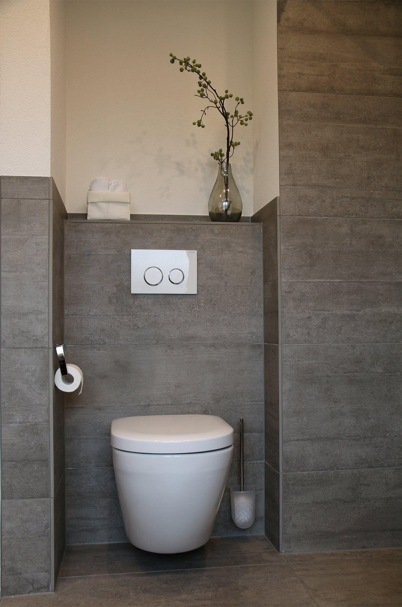 Graues Badezimmer Mit Maritimem Touch 14467 Potsdam Badezimmer Badezimmer Grau Bad Fliesen