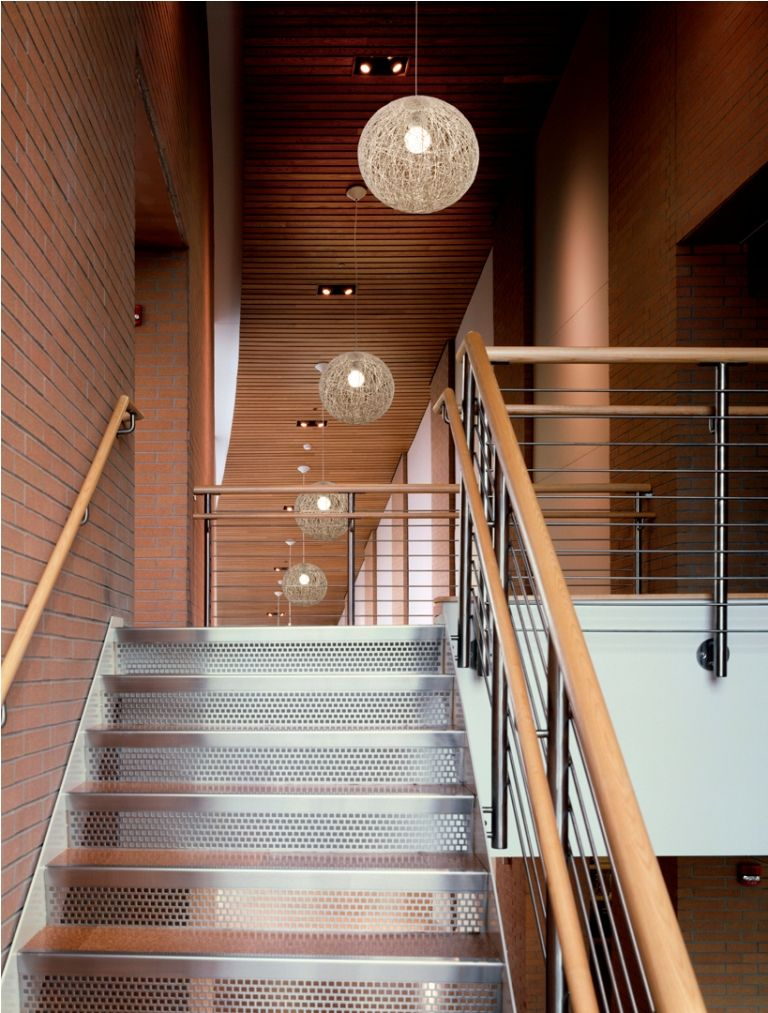 Superbe Stairwell Lighting Fixture (768×1013)