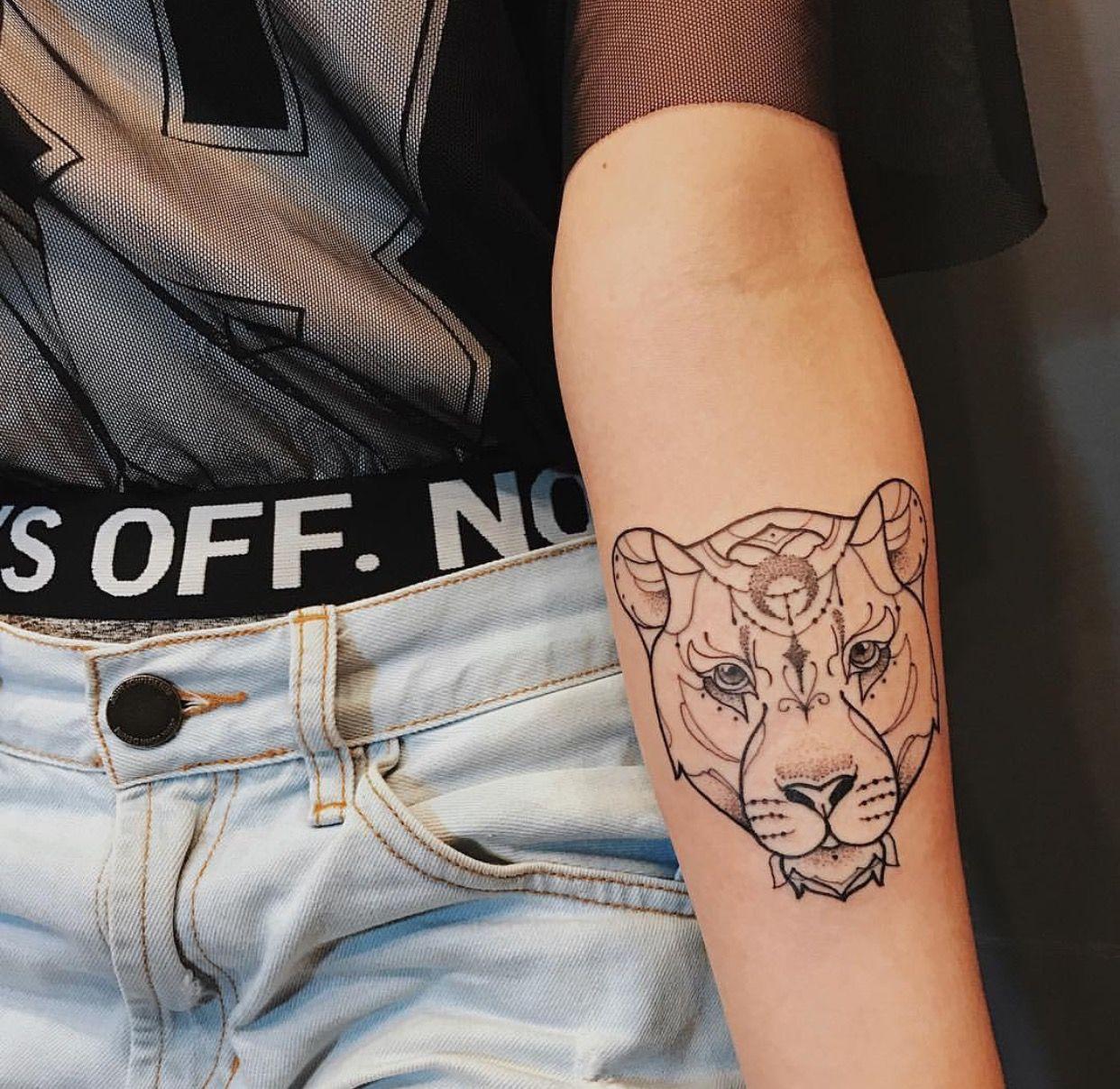 Pin By Jessica France On New Ink Tatouage Tatouage Lion Tatouage