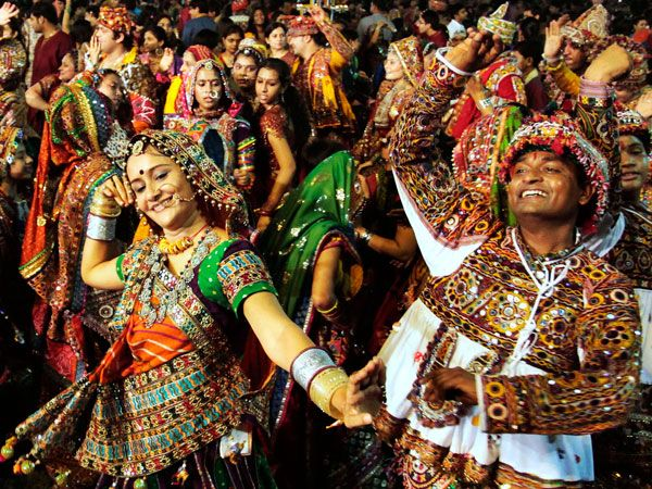 hindu single men in bethel In hindu culture, for the most part, men socialize with men, and women with women men never touch women in public unless the lady is very elderly or infirm 2displaying affection: married hindu couples do not hug, hold hands or kiss in public.