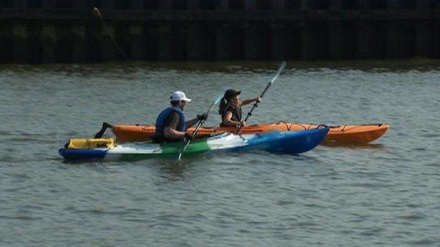 Hoboken couple commutes to Manhattan by kayak - New York News