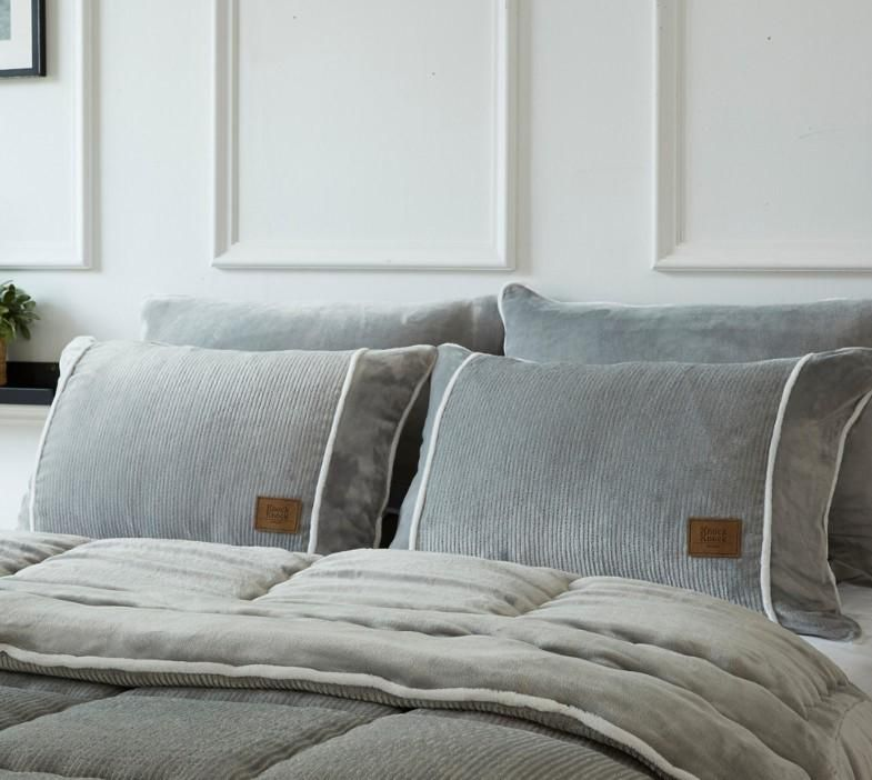 Shop Fall Pillow Cases online | Spreadshirt