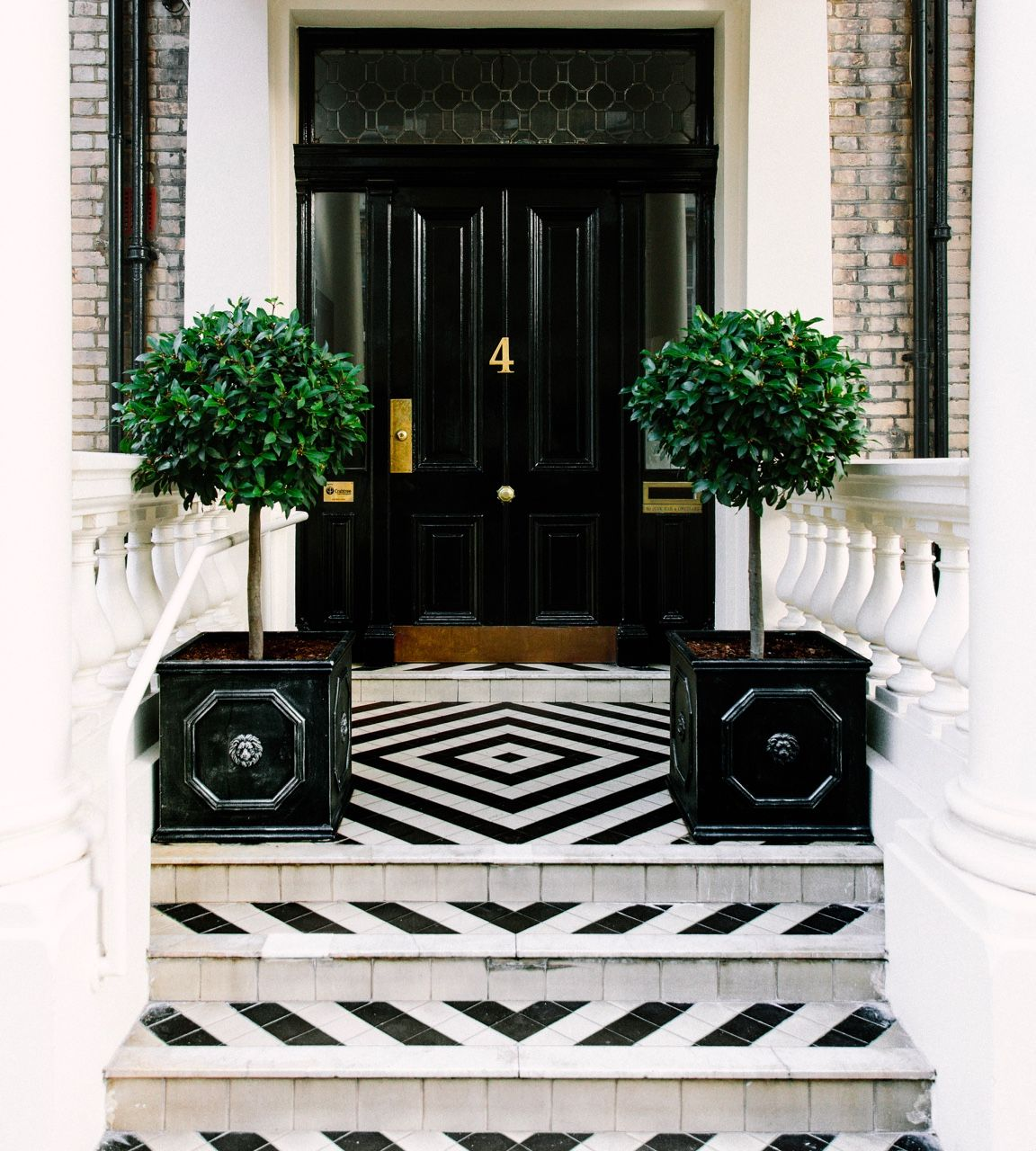 Seangaleburke South Kensington London Uk Seangaleburke White Porch Black Front Doors House Exterior