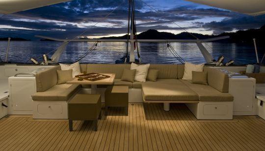 Architecte naval franck darnet design spécialisé en architecture intérieure navale à nantes conçoit lagencement de voilier et aménagement interieur de