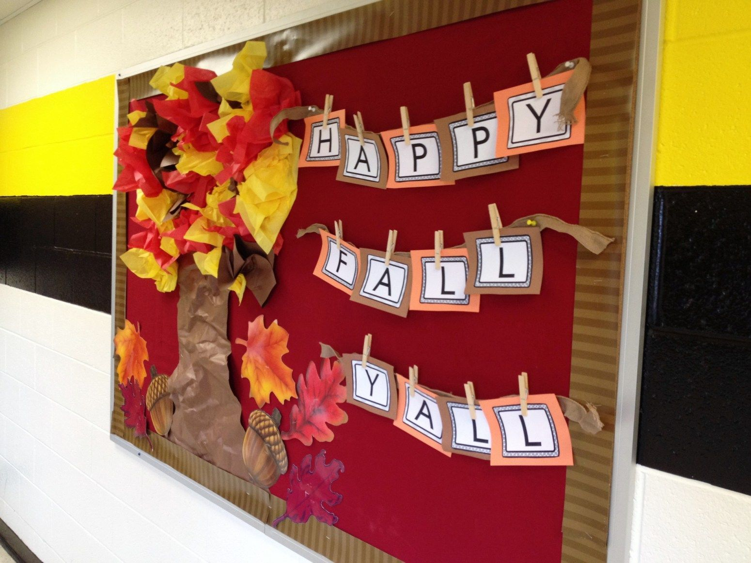 October Bulletin Boards- Ideas for bulletin boards and doors for October #novemberbulletinboards