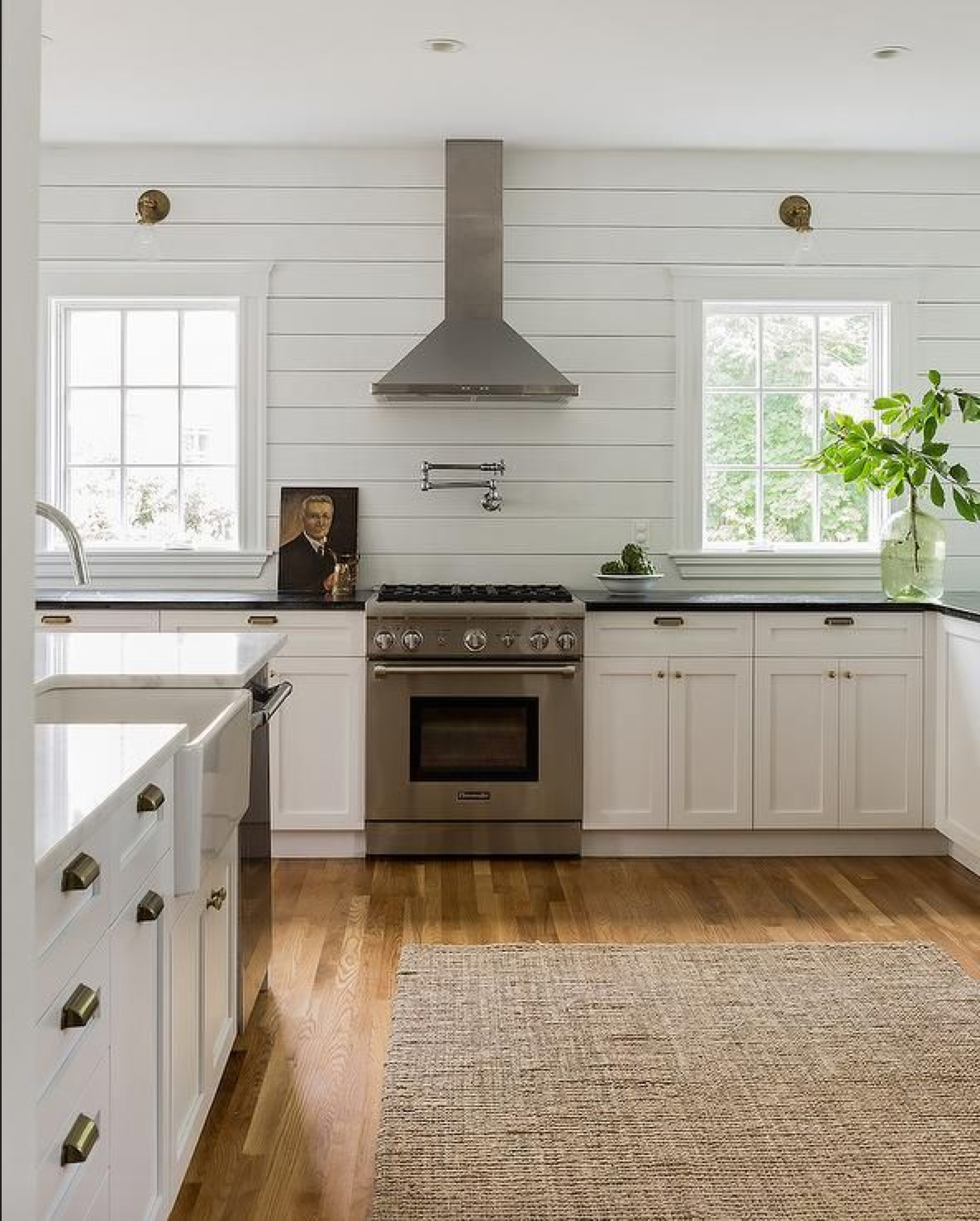 Best Shiplap Walls White Cabinetry Honed Absolute Black 640 x 480