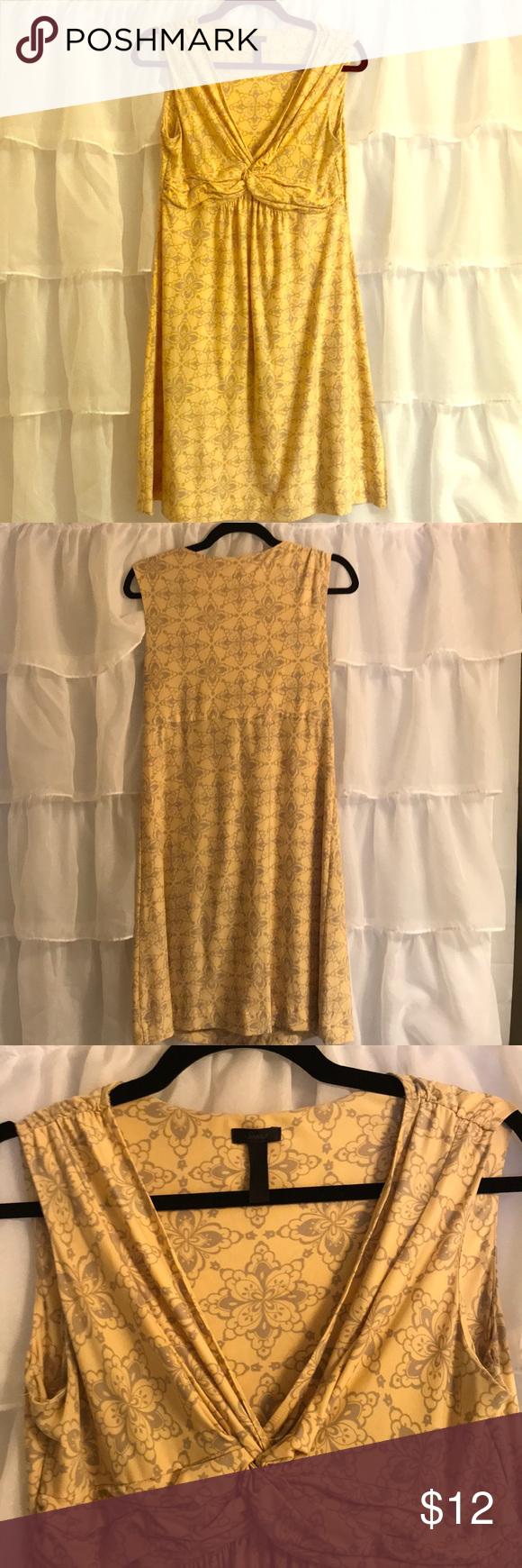 Yellow dress knee length  Soma knee length yellow dress size medium  Yellow dress Gray and