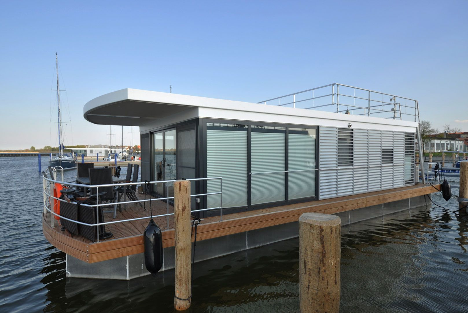 Hausboot Mieten Darss Ribnitz Damgarten Marie Mit Bildern Hausboot Hausboot Mieten Ostsee Ferienwohnung