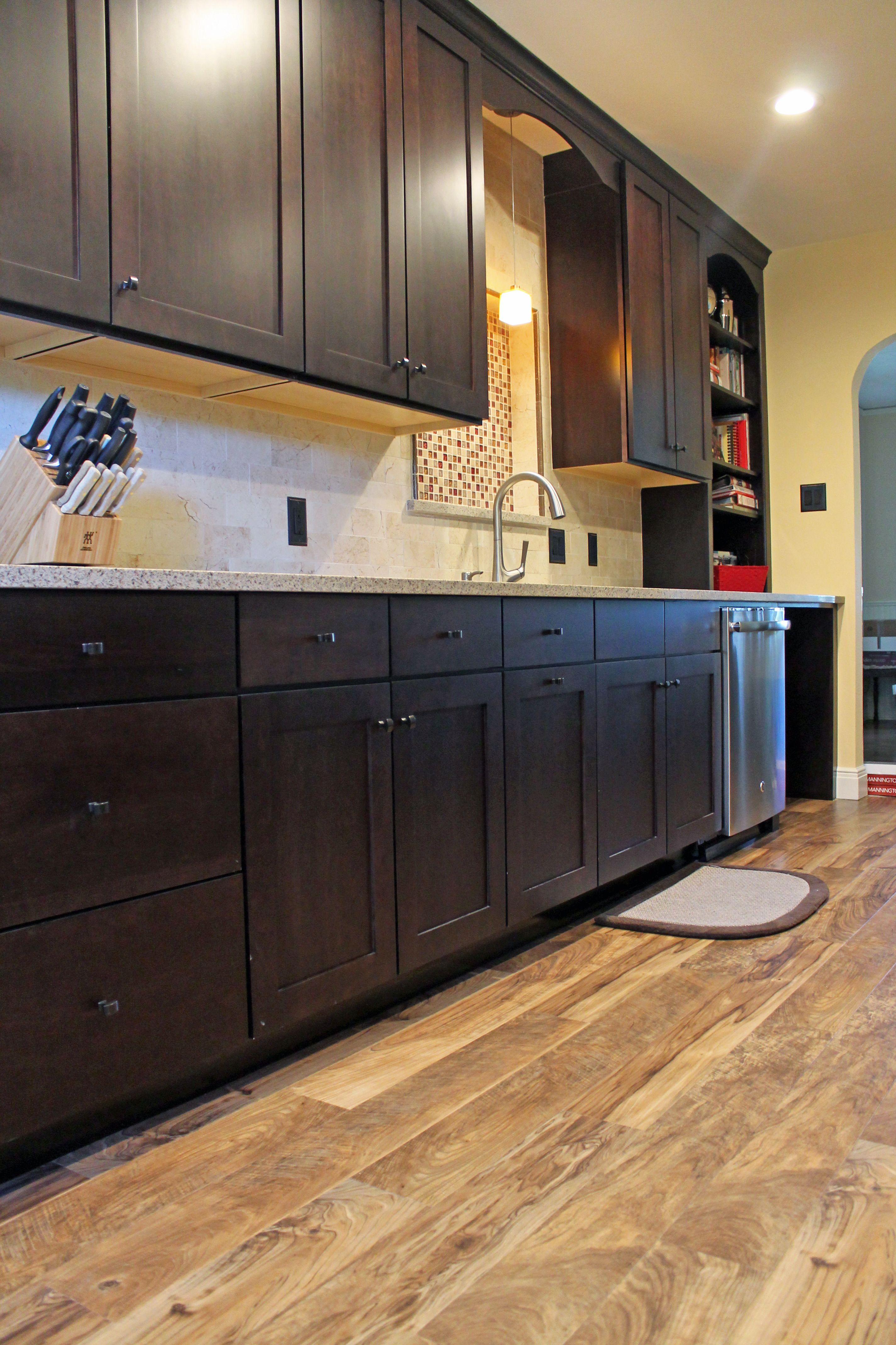 traditional kitchen design maple wellborn cabinets and vinyl plank floors ideas vinyl on kitchen remodel vinyl flooring id=45538
