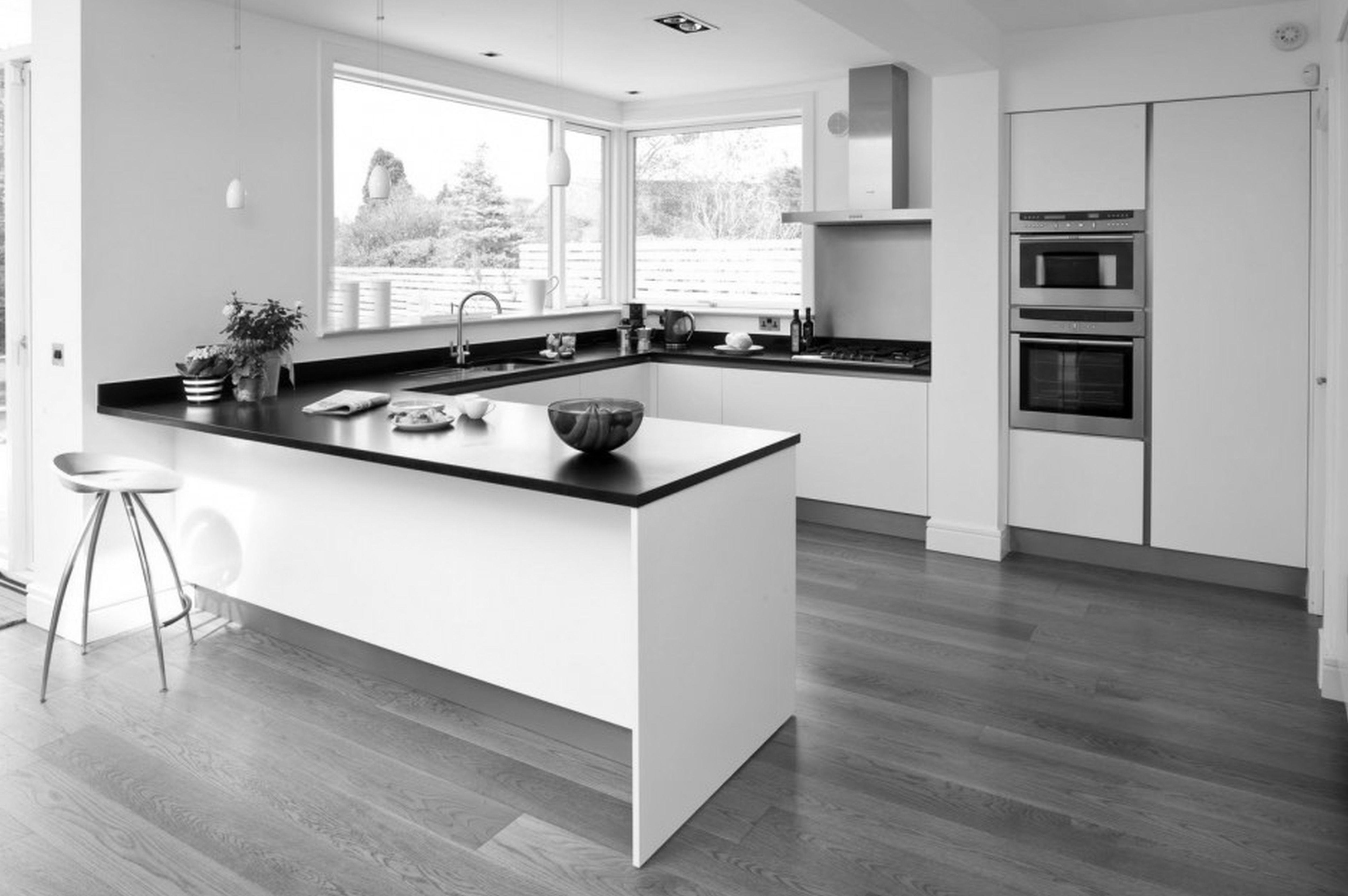Modern Small L Shaped Kitchen With Island Grey laminate