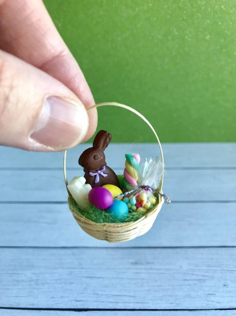 "Dollhouse Miniature /""Chocolate/"" Easter Bunny Rabbit 1:12 Scale 3//4/"" tall"