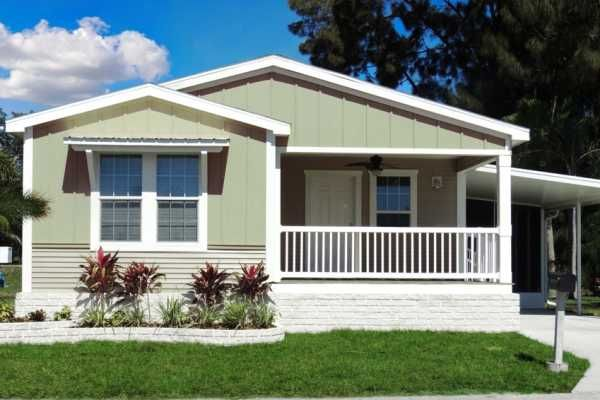 Palm Harbor Mobile Home For Sale In North Fort Myers Fl Mobile Home Exteriors Remodeling Mobile Homes Mobile Home Addition