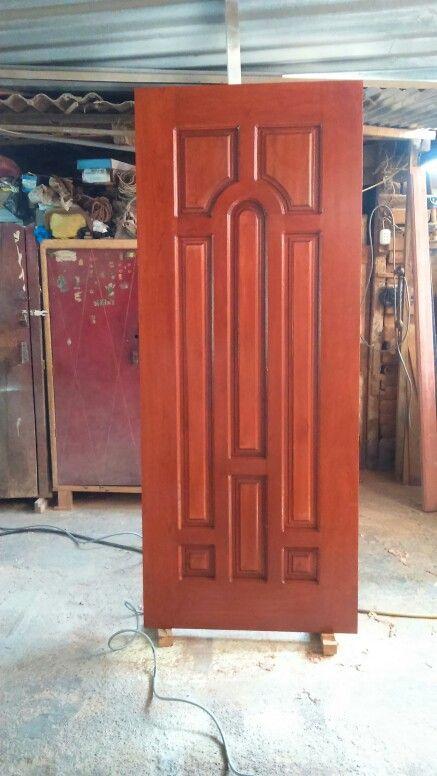 otra puerta de madera cedro laqueada color caramelo
