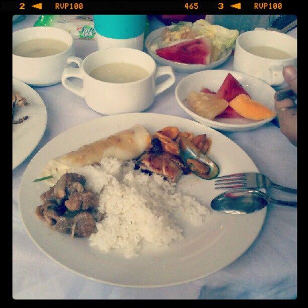 no greens for me :p #lunch - @leilalu09- #webstagram