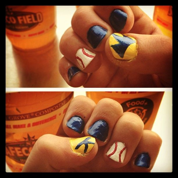 Instagram | @emma_dene | Mariners nails! #mariners #safeco #kingfelix #happyhour #gomariners