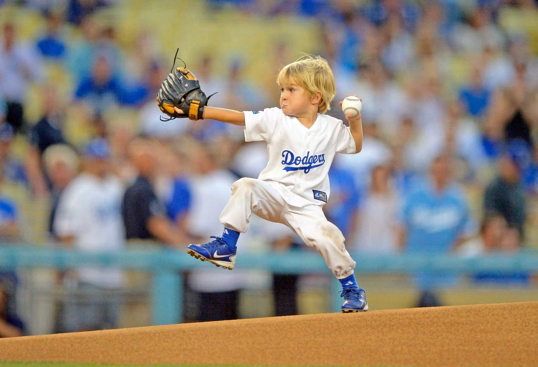 Best First Pitch At Mlb Baseball Game By Preschooler Kids Baseball Baseball Sports