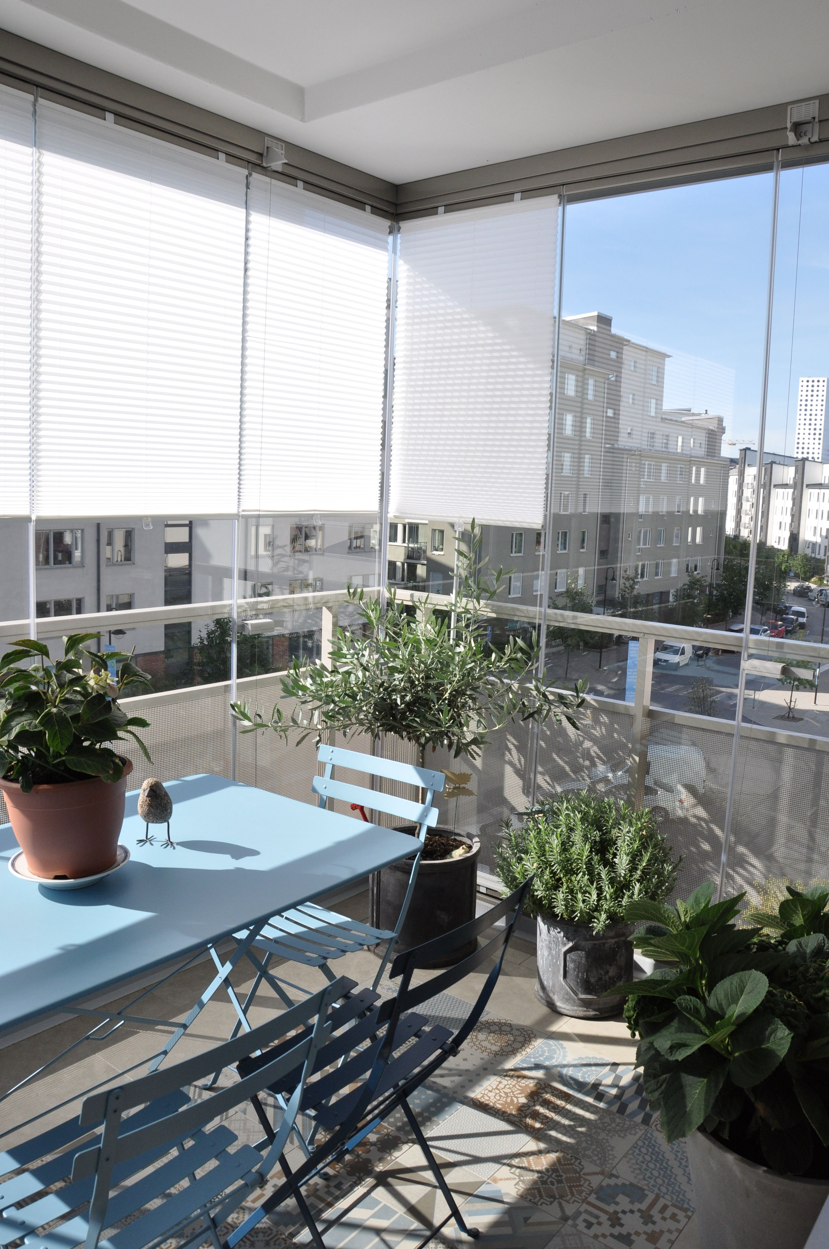 Terraza acristalada con lumon de suelo a techo espa a for Cubrir suelo terraza
