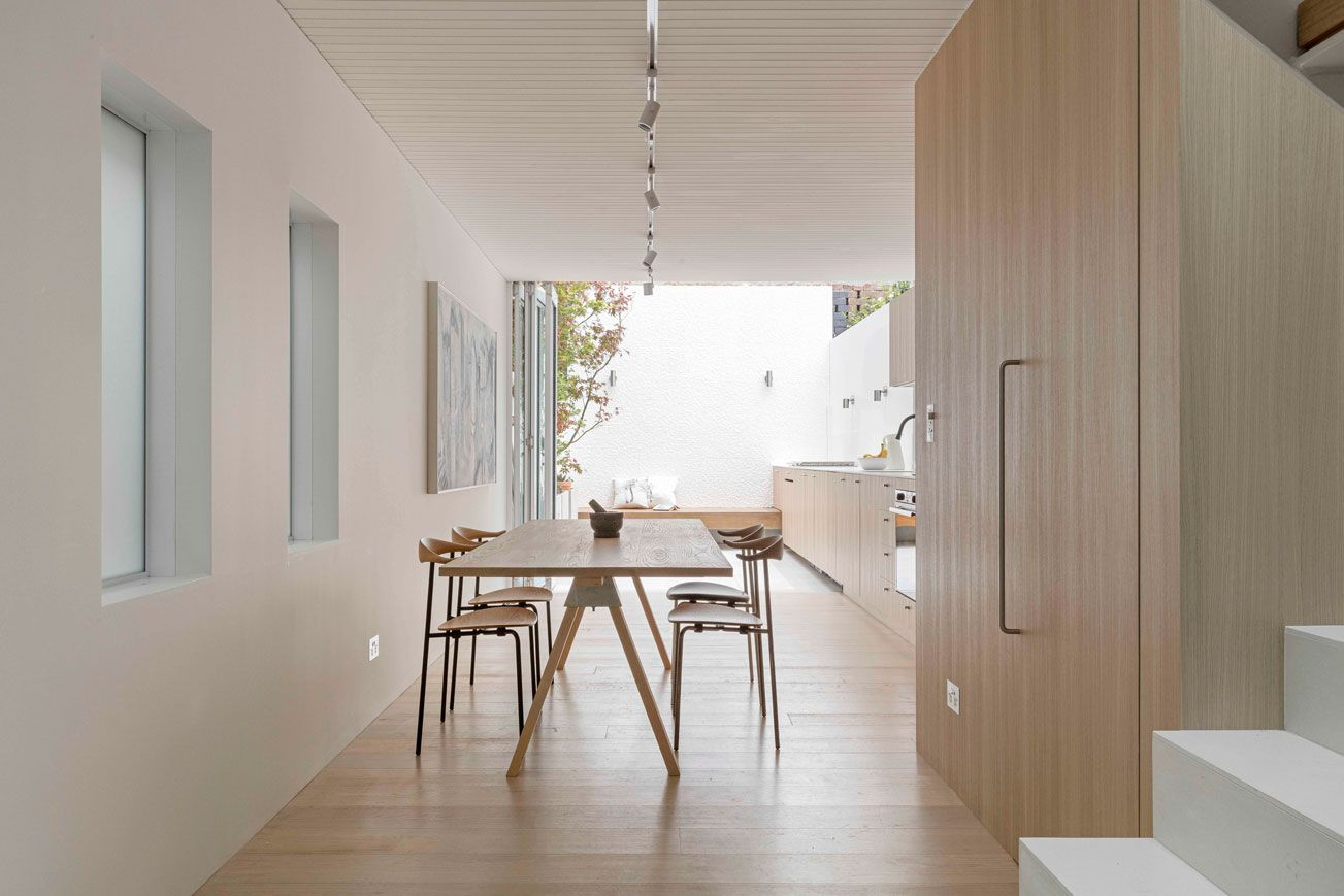 American Oak Joinery House, House interior, House on a hill