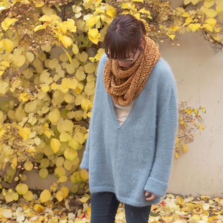//mellow v-sweater