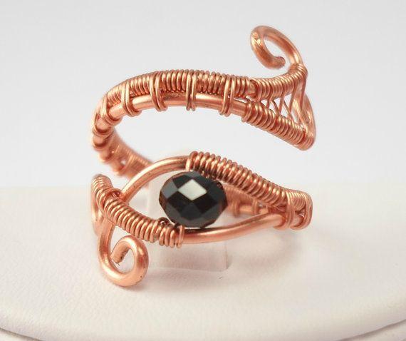 """Photo of verstellbarer, mit Draht umwickelter Kupferring """"Eye of Horus"""""""