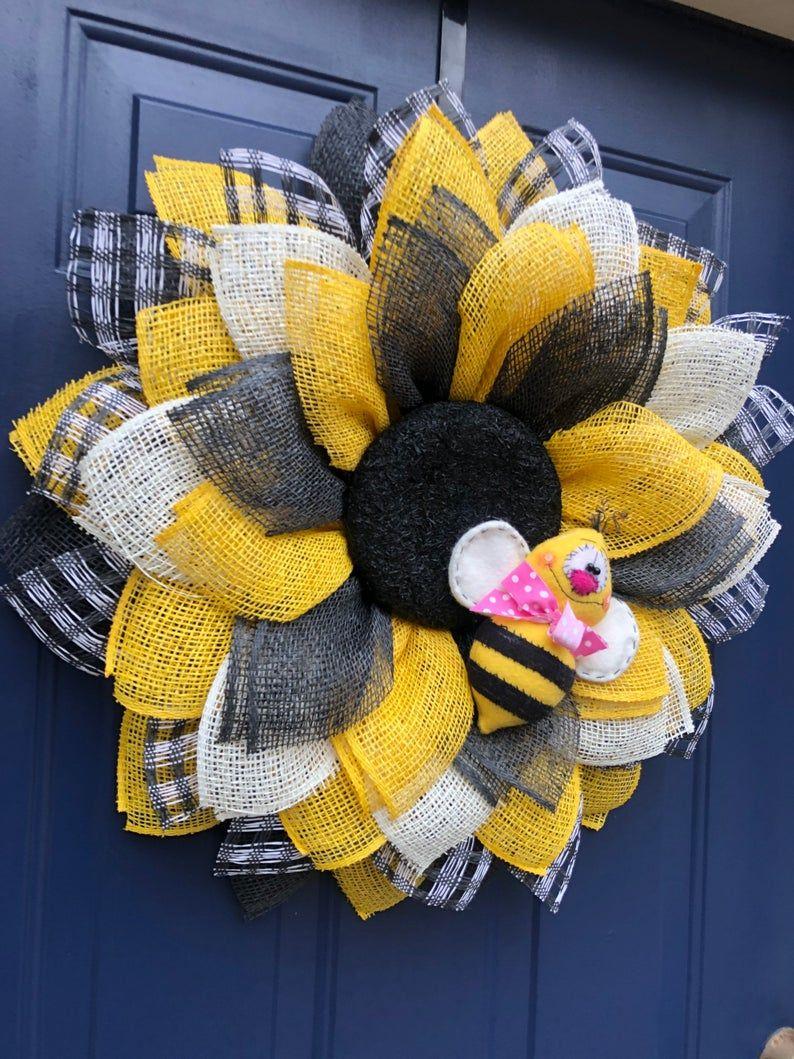 Photo of Sonnenblumenkranz für die Haustür, Sonnenblumenkranz, Kranzalternative, Haustürdekor, Hummelkranz, Hummelkranz für die Haustür