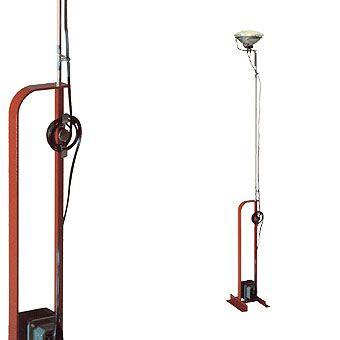 lampada da terra design in acciaio (orientabile) TOIO by Achille ...
