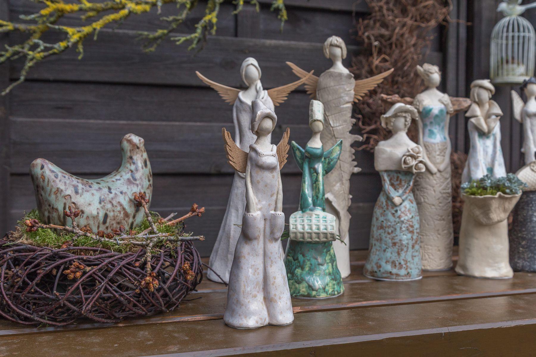 engel und figuren aus ton im winter im keller get pfert engel pinterest ceramic angels. Black Bedroom Furniture Sets. Home Design Ideas