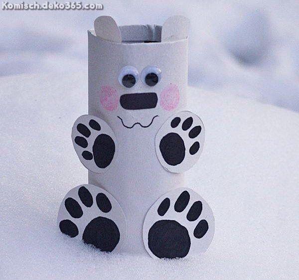 Zauberhafte Polarbär in jener Rolle des Toilettenpapiers