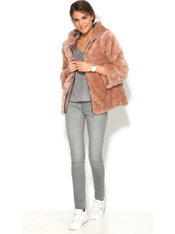 f6a76c13bd Abrigo manga larga de pelo sintético acolchado con capucha mujer FW2016  VEnca