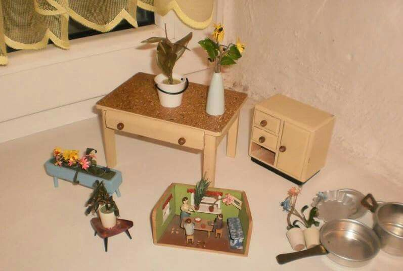Pin by @tsuco on Doll Houses**Miniatures Pinterest - schlafzimmer mit bettüberbau