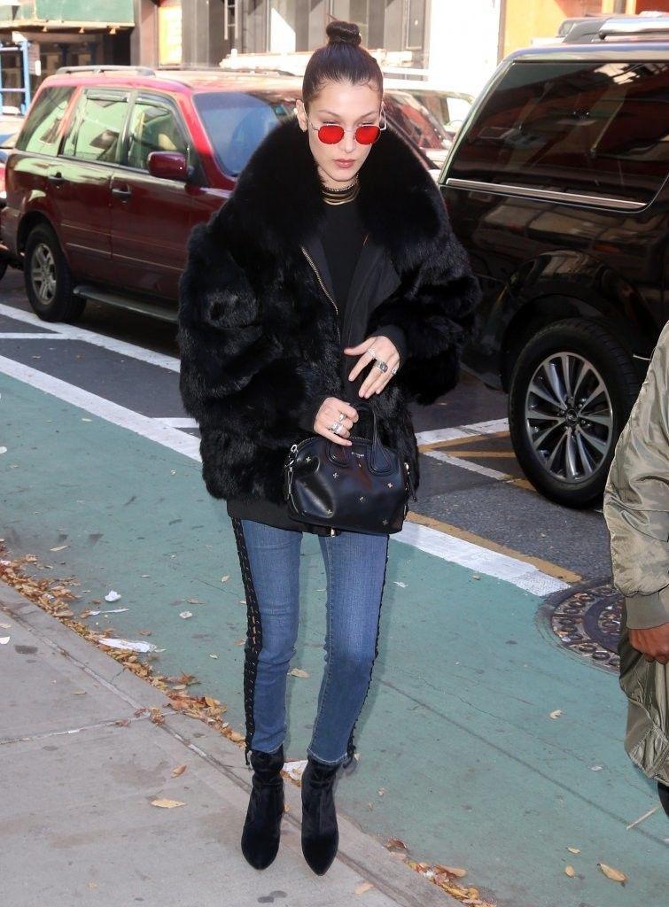 Bella+Hadid+Steps+Out+In+NYC+PDgfi6e1kxSx.jpg