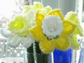 Blue Butterfly Momma: Think Spring!! Daffodils