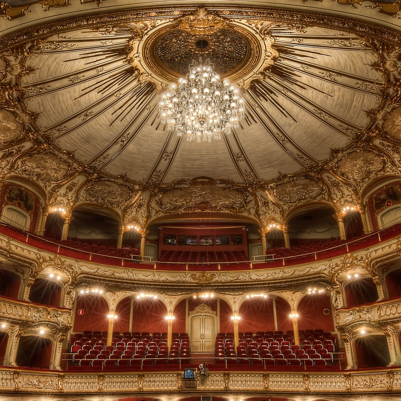 Fotos Bei Space Hall: Opernhaus Graz / Opera House Graz