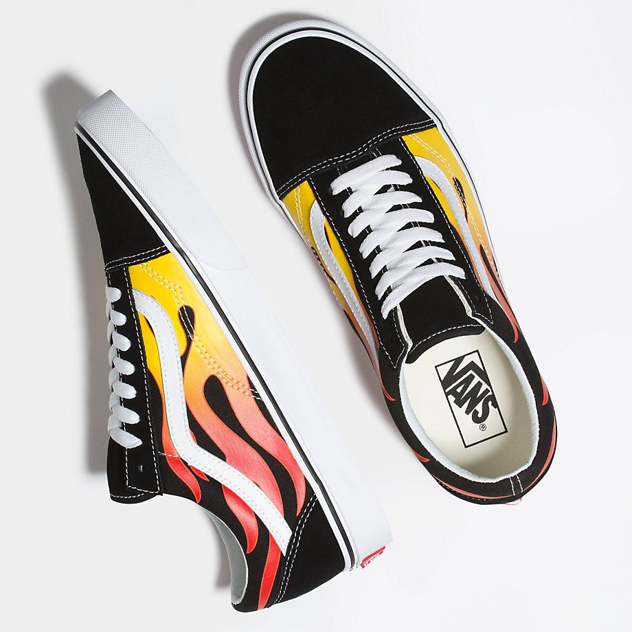 4408dc1de1 VANS REVENGE X STORM LOW FLAME THUNDER TRUE WHITE 00824 Old Skool Black