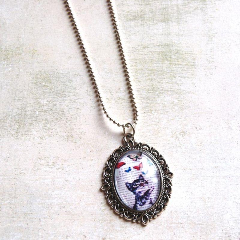 Collier Pendentif « Le Chat Aux Papillons » - collier ras du cou - Lfeemain - Fait Maison