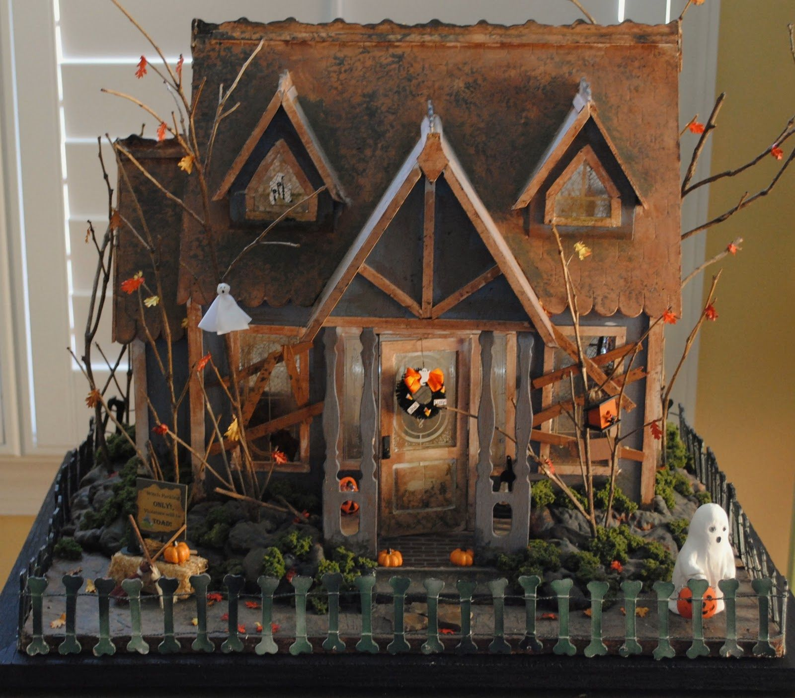 """Halloween House Decorations: From """"It's A Mini Life"""" Blog-The Dollhouse Is A Dura-Craft"""