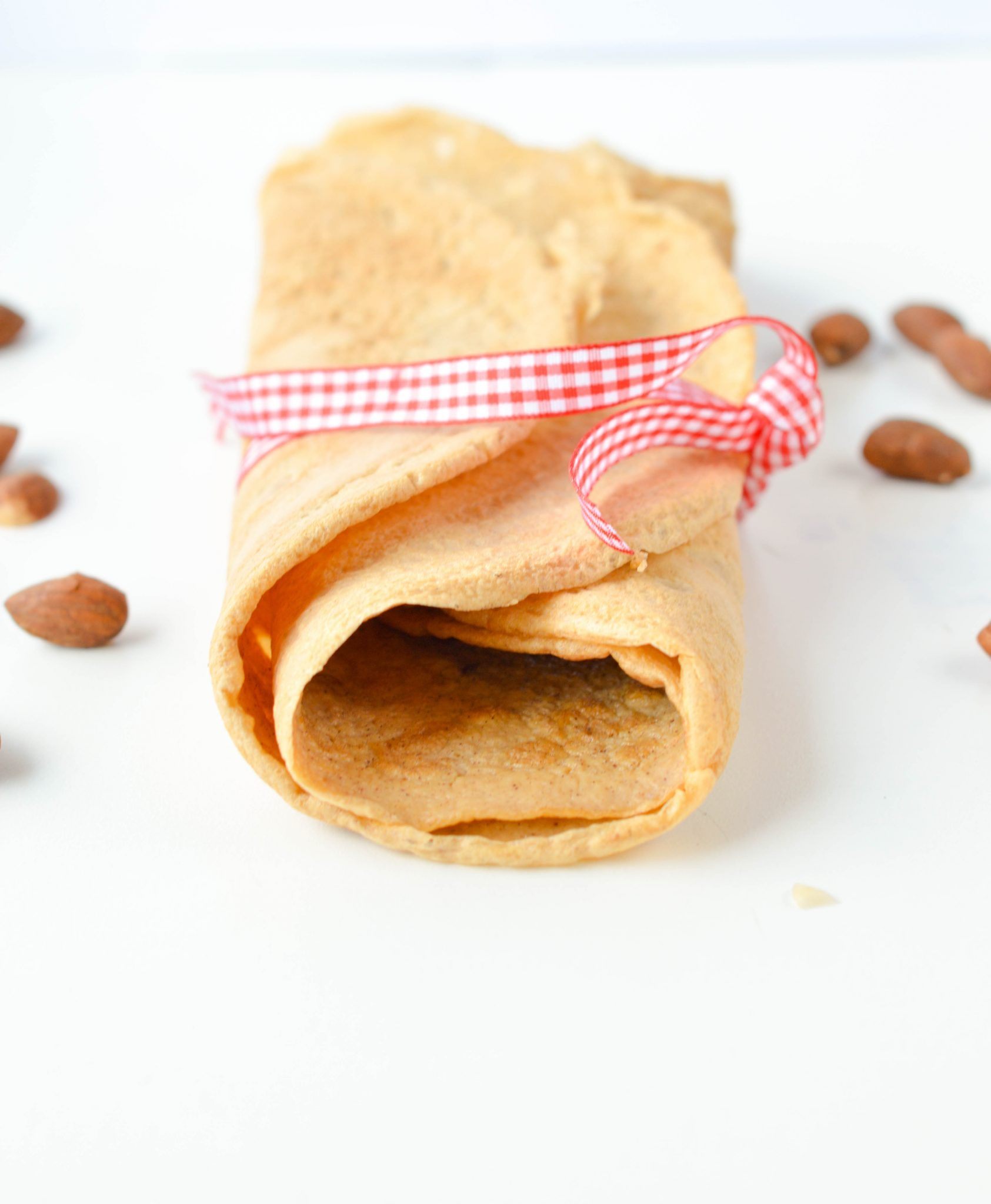 Easy 3 Ingredients Almond Flour Crepes Recipe Only 3 8 G Net