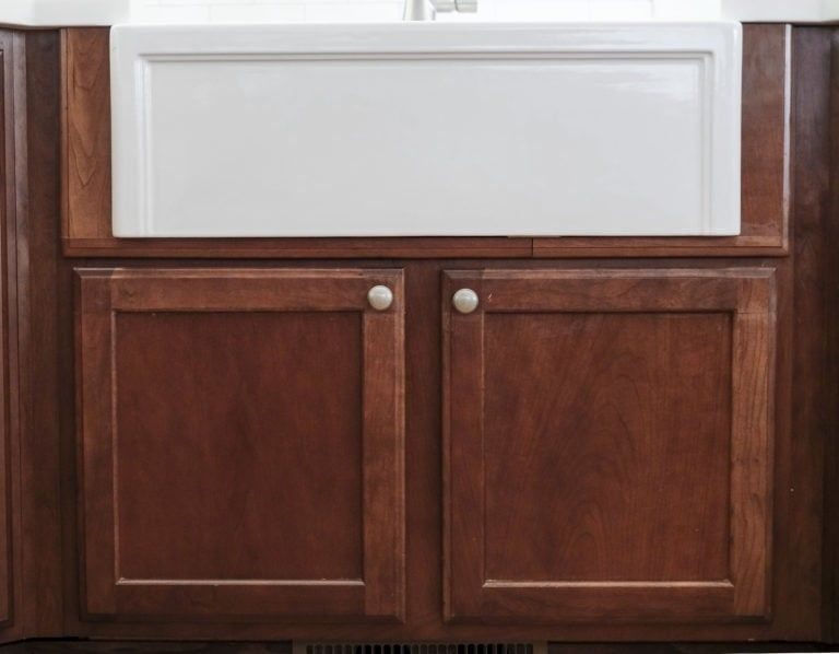 DIY Farmhouse Sink Installation - Farmhouse sink installation, Farmhouse sink, Farmhouse diy, Vintage farmhouse sink, Farmhouse sink kitchen, Custom built cabinets - How To Install A Farmhouse Apron Front Sink Adding an apron front farmhouse sink to your kitchen will not only elevate the…