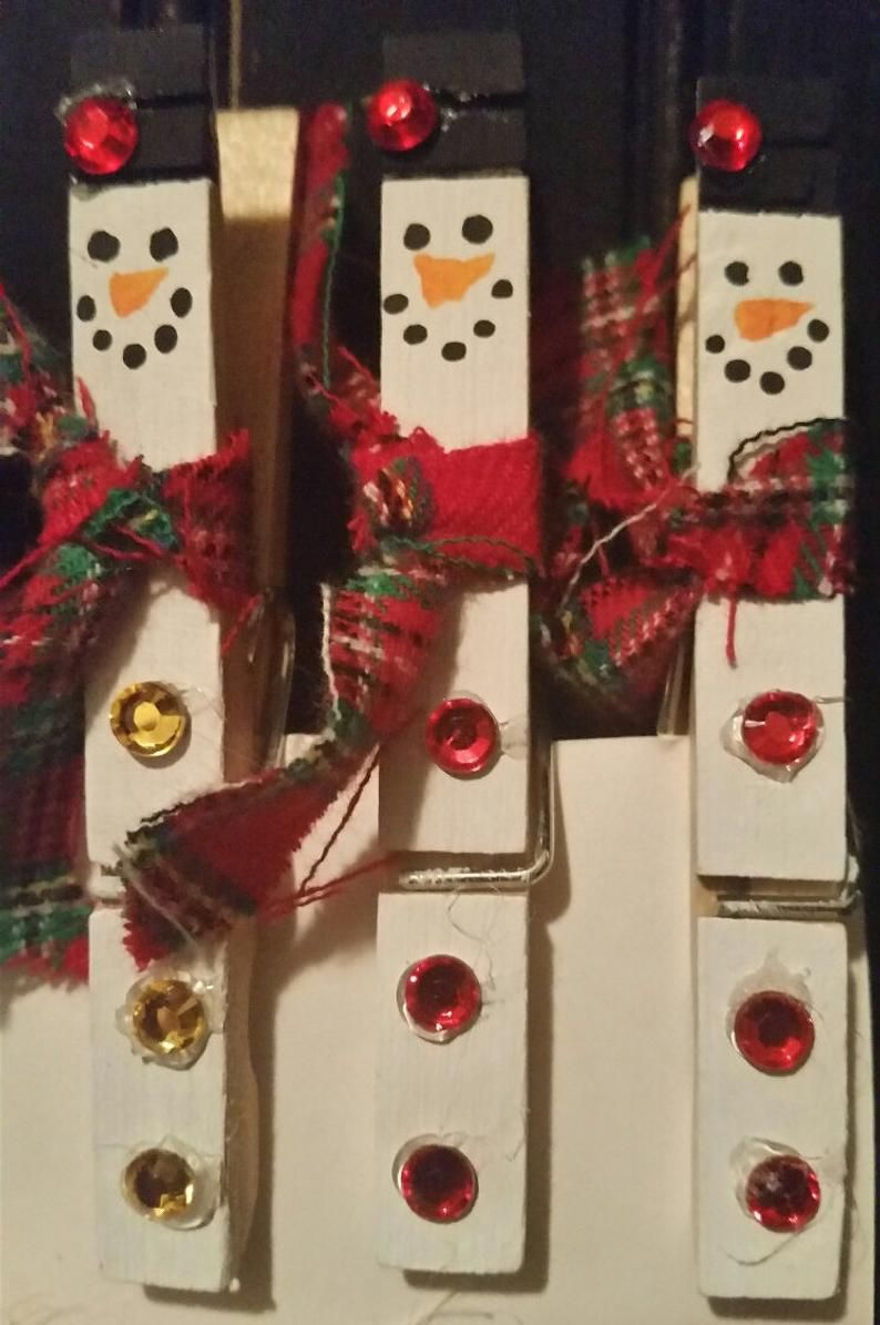 SNOWMAN CLOTHESPIN CHRISTMAS CARD HOLDER SET OF 5 HAND MADE