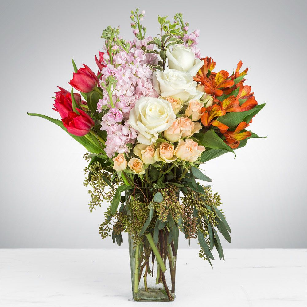 Yuvaflowers Online Flowers Delivery In Hyderabad Flower Delivery Online Flower Delivery Lush Bouquet