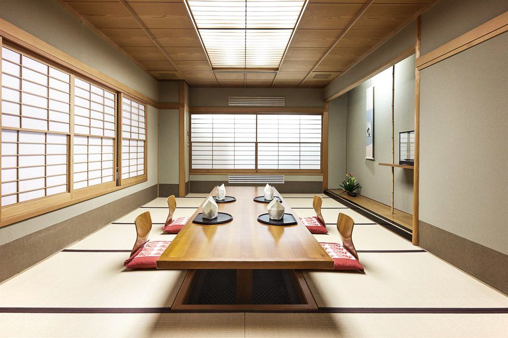 Table De Cuisine Japonaise In 2020 Japanese Living Rooms Tatami Room House Paint Interior