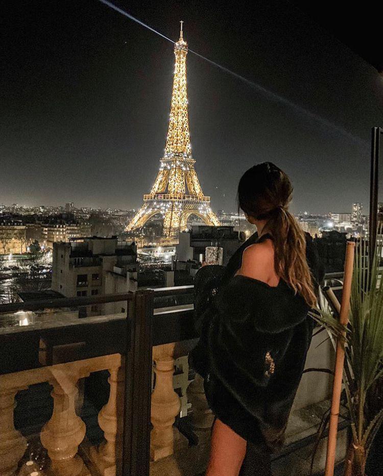 Dating Femei Paris caut un baiat pentru o noapte svrljig
