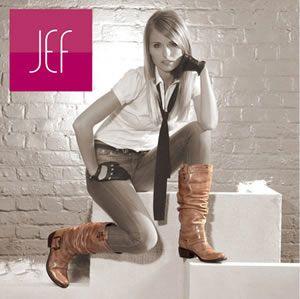 762bc902e204f8 1 concentré de réductions + 1 zeste de SOLDES = -50% sur la sélection  estivale JEF Chaussures !
