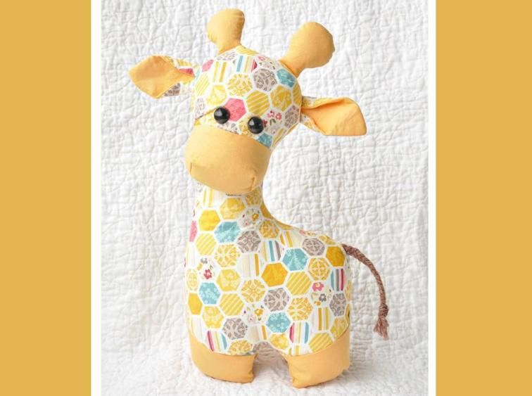 Gerald the Giraffe Sewing Pattern | Sewing | Pinterest | Costura ...