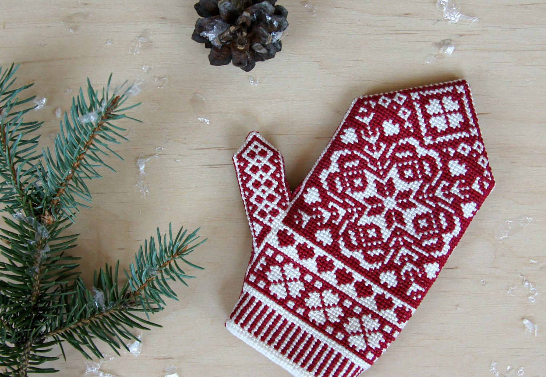 Mitten christmas decorations - Christmas Mitten Ornament Norwegian Style Cross Stitch Mitten Fabric Xmas Tree