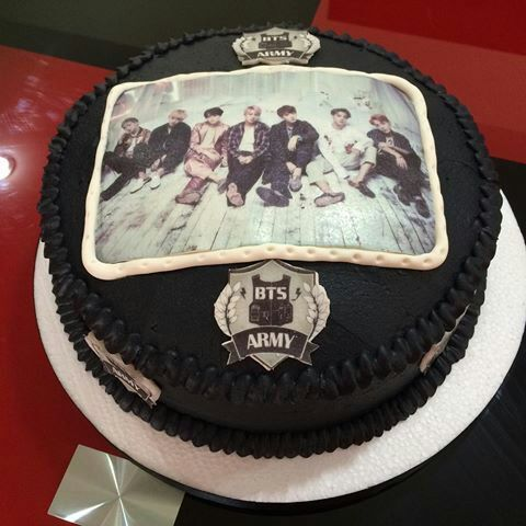 Bts Bt21 Fondant Cake Topper Set C A K E S Oo T